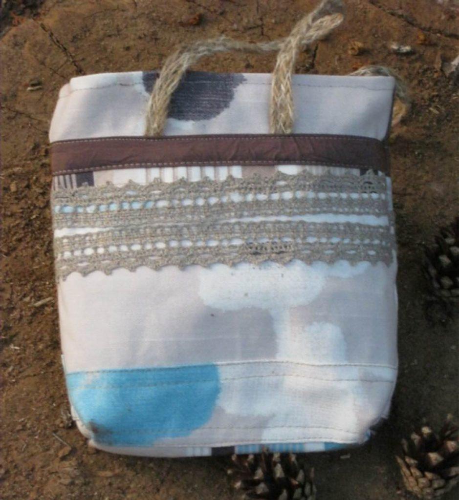 Фото мк Простая сумочка на молнии с лоскутным набором